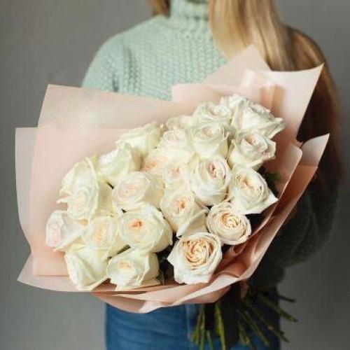 Купить на заказ Букет из 31 белой розы с доставкой в Абае
